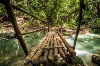 Hiking-to-Mata-Jitu-involves-some-interesting-river-crossings